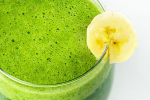 Blueberry Banana Apple Green Smoothie of Daisy Figueredo - Recipefy