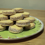 Http-i-images-cdn-fotopedia-com-flickr-3917335434-hd-argentina-cuisine-alfajor-i_can_has_alfajores-jpg