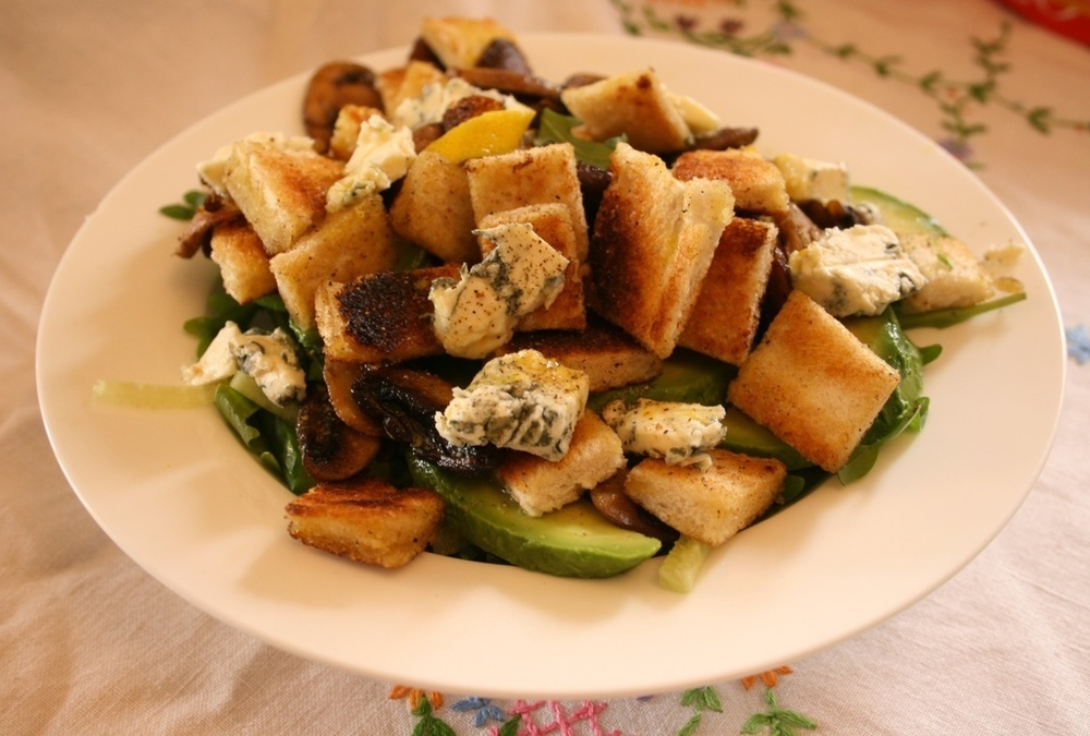 Mushroom and Dolcelatte Salad  of Sarah Holmes - Recipefy