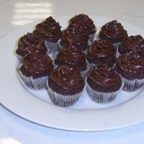 Double-chocolate-cupcakes_img1-640x405