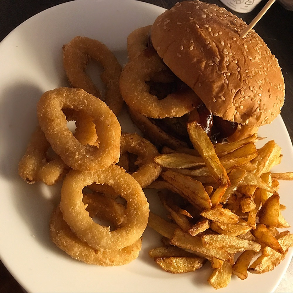 Rodeo Vegan Burger with home style fries of DC5veganlifestyle - Recipefy