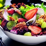 Strawberry-and-pecan-salad