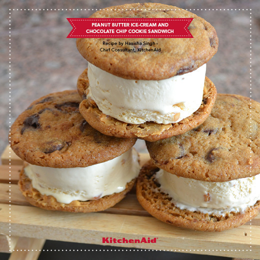 PEANUT BUTTER ICE-CREAM AND CHOCOLATE CHIP COOKIE SANDWICH of Kanika Katyal - Recipefy