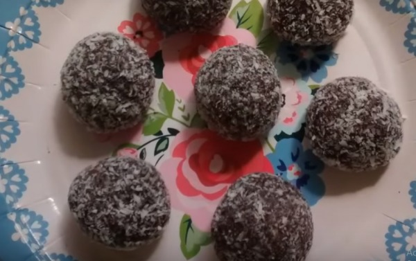 High protein chocolate balls of casey connelly  - Recipefy