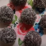 Chocolate-balls-high-protein-no-bake-600x377