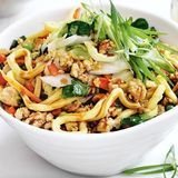 Quick-chicken-chow-mein-121401-2