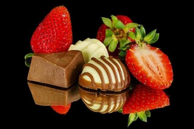 How To Prepare These Delicious Strawberries Chocolate  of Ffnaresh - Recipefy