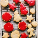 Spiced-and-glazed-eggless-christmas-cookies
