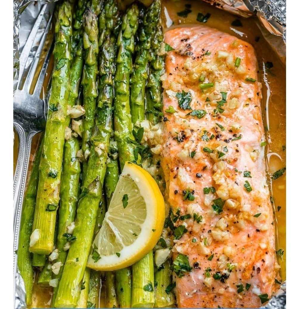 SALMON AND ASPARAGUS FOIL PACK of emanuela - Recipefy